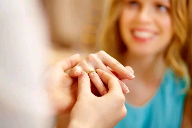 newslite1616629130038 - The Best Age To Get Married According To Science
